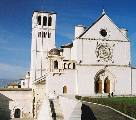アッシジ、フランチェスコ聖堂と関連修道施設群の画像 p1_8